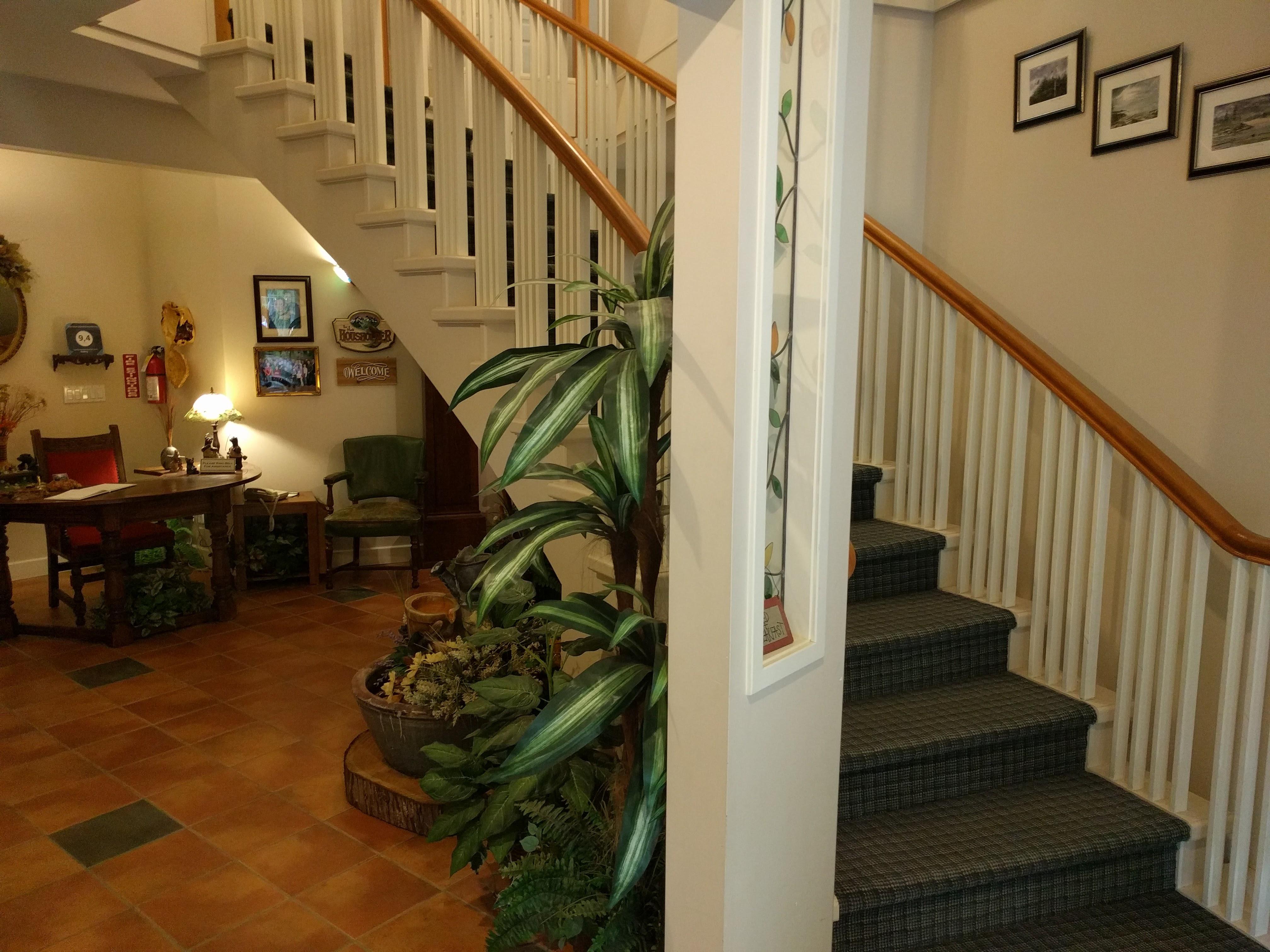 Cedar Wood Lodge Amenities Cedarwood Lodge Bed And Breakfast Inn